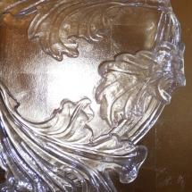 Wandvergoldung hinter Glasdetail, Margret Weirauch - Ihre Raumentfaltung